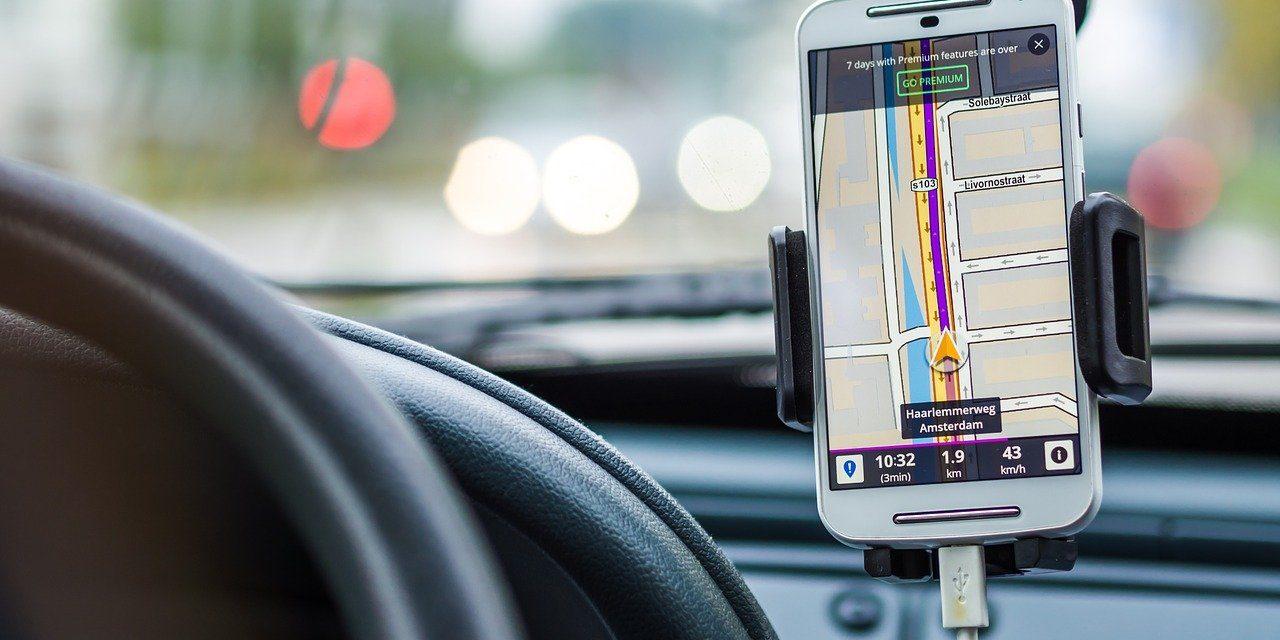 Support téléphone : quels sont les avantages de l'avoir en voiture ?